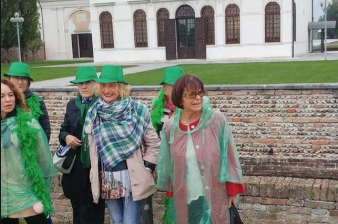 La marcia delle United Victims of Benetton contro le scelte dell'azienda