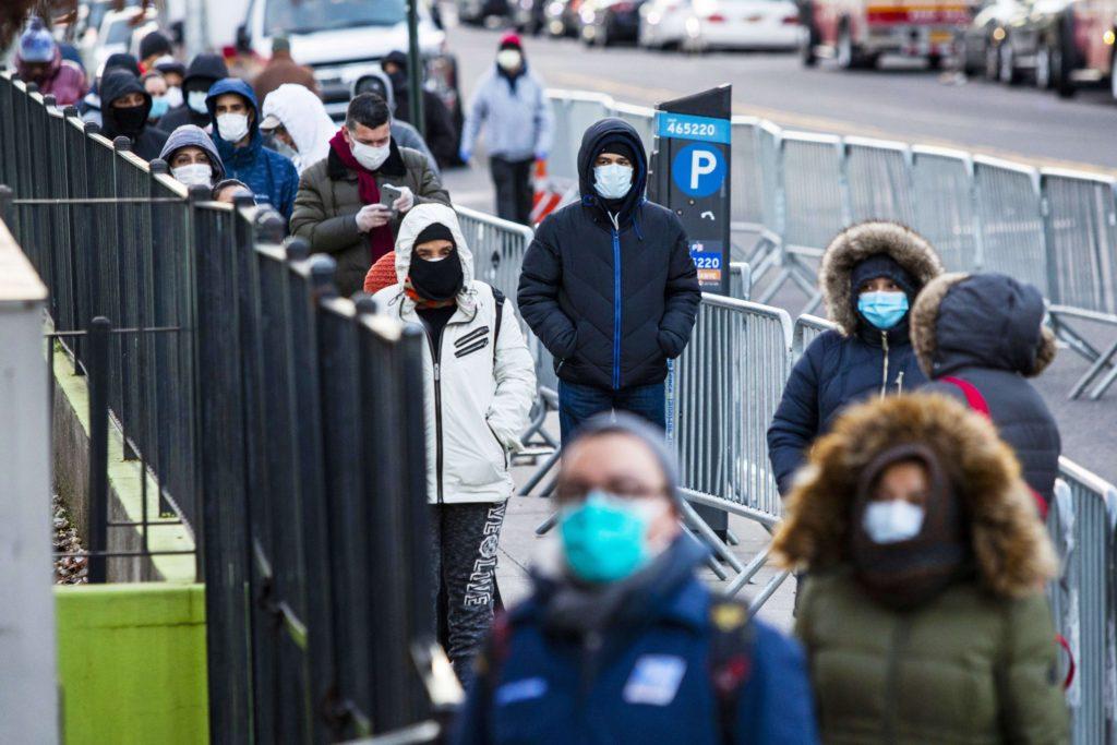 Le due facce dell'America: aumentano i contagi ma l'economia
