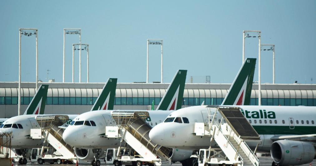 Benetton, continuano i regali: la concessione sugli aeroport