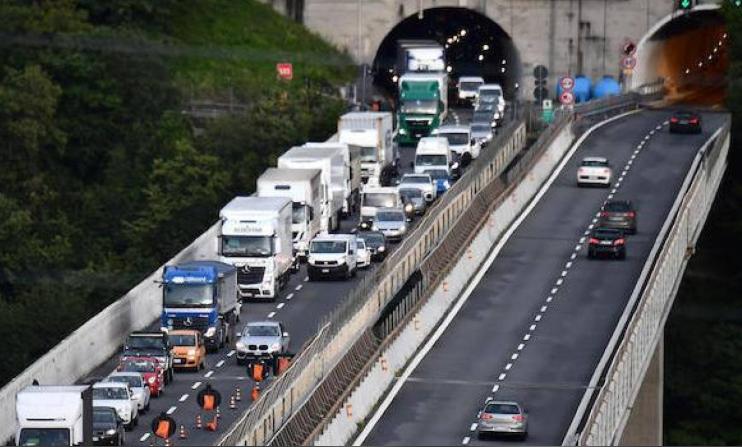 Caos Autostrade: abbandonata a sé stessa, la Liguria conta g
