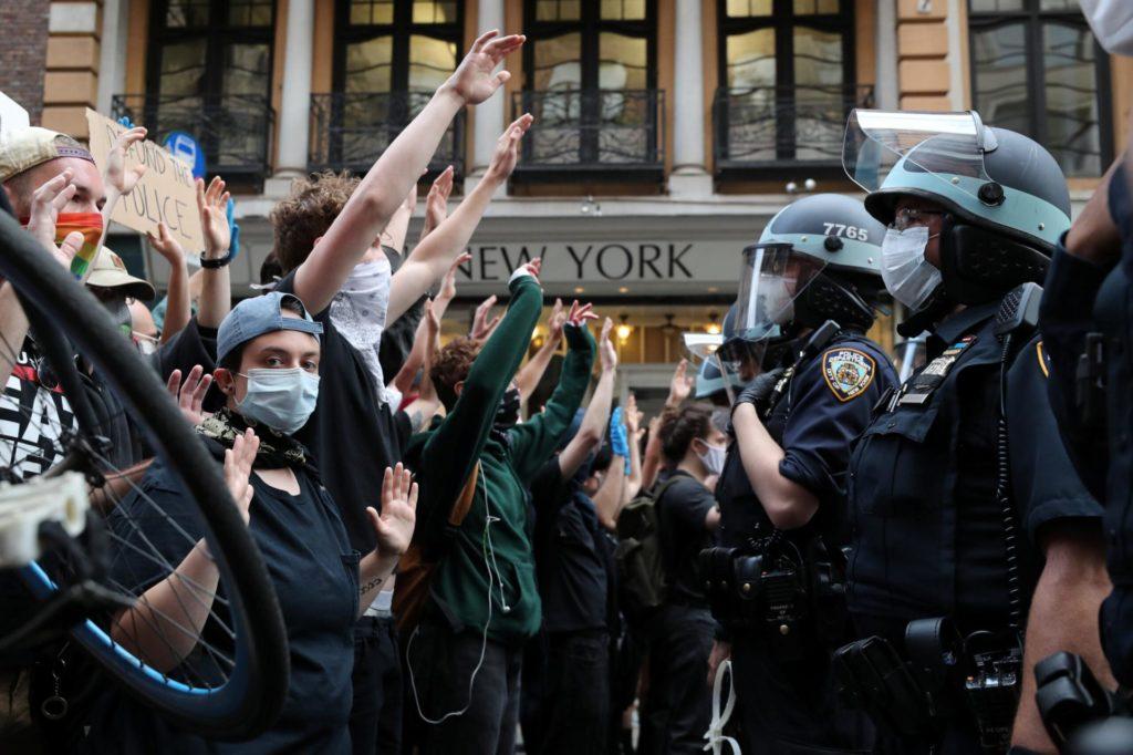 """""""Non trasformiamo le proteste anti razziste in una nuova cac"""