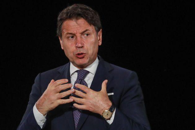 """Il """"Patto col Diavolo"""" del governo    per sopravvivere deve vendersi alla Troika"""