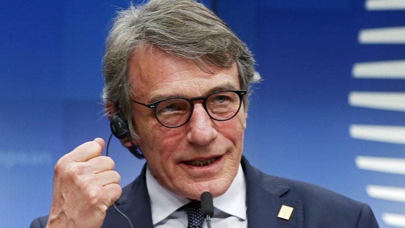 David Sassoli cade in uno scherzo telefonico e svela che cosa è davvero l'Ue