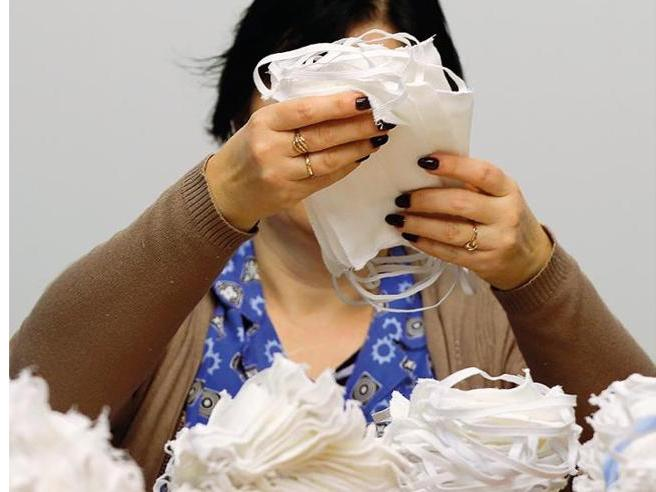 Prezzi gonfiati e certificati falsi |  lo scandalo mascherine costato milioni di euro all'Italia