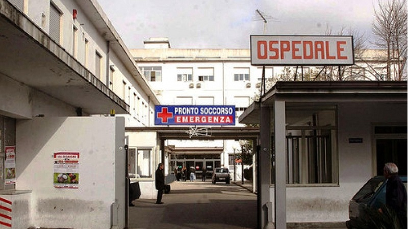 Ospedali vecchi, poco personale: in Calabria il Covid si combatte con il coraggio dei medici