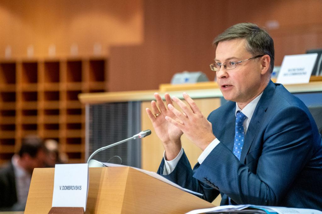 """Dombrovskis avverte l'Italia: """"Riforma del Patto europeo? Il criterio sul debito non sparirà"""""""