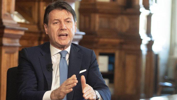 La mano tesa di Renzi e la mossa di Conte: spiragli di pace dopo i sondaggi