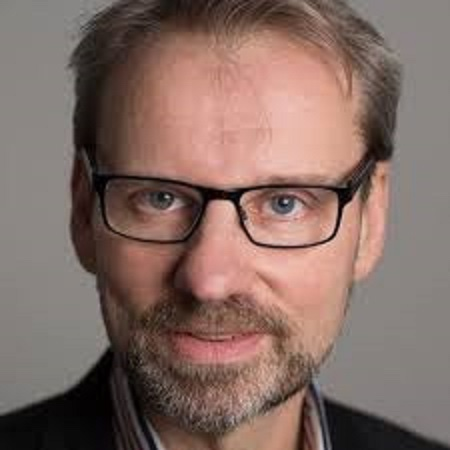 Wolfgang Münchau: «L'UE sempre più inutile, ha toppato anche l'approvvigionamento di vaccini»