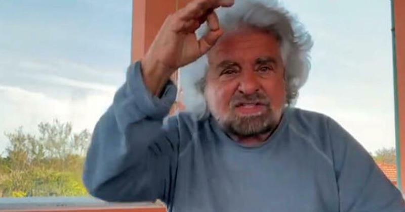 """Le parole di Grillo spaccano il M5S: """"Ora parliamo come Berlusconi"""""""